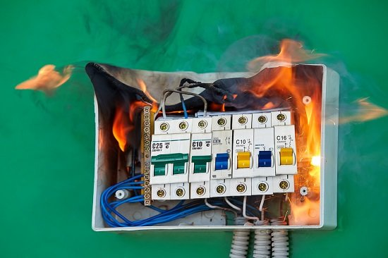 Faulty Wiring Warning Signs in your Home
